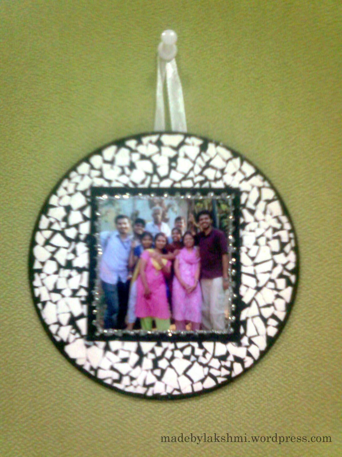 Cd wall hanging m de by lakshmi for Wall hanging best out of waste